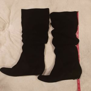 Gianna Bini Black Suede Boots Size 9.5